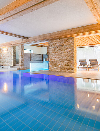 Indoor Pool im Wellnesshotel NockResort in Bad Kleinkirchheim